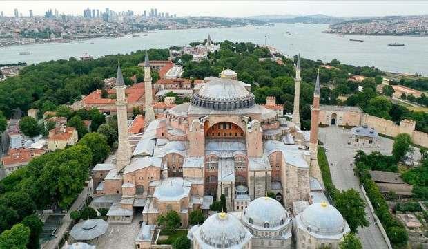 Ayasofya ibadete açılmasının ilk yılında 3 milyonu aşkın ziyaretçiyi ağırladı
