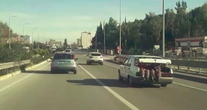 Antalya'da 2 kadının bagajda ilginç yolculuğu
