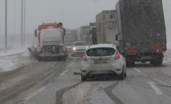 Kuzey Çevre Otoyolu'nda trafik durdu